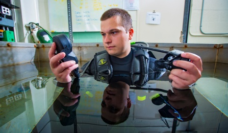 diver in crese lab tank.